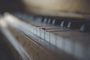 Don't take the cheapest piano moving estimate