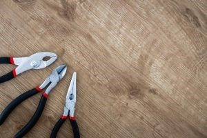 Pliers for disassembling furniture