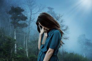 A girl is feeling homesickness