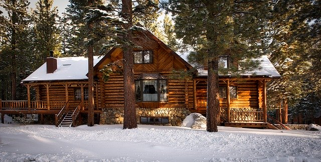 A cozy winter home, representing an easy way to speed up your winter relocation.