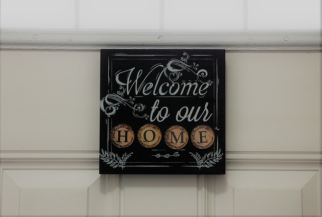 Family Home Sign - How to settle after an interstate move