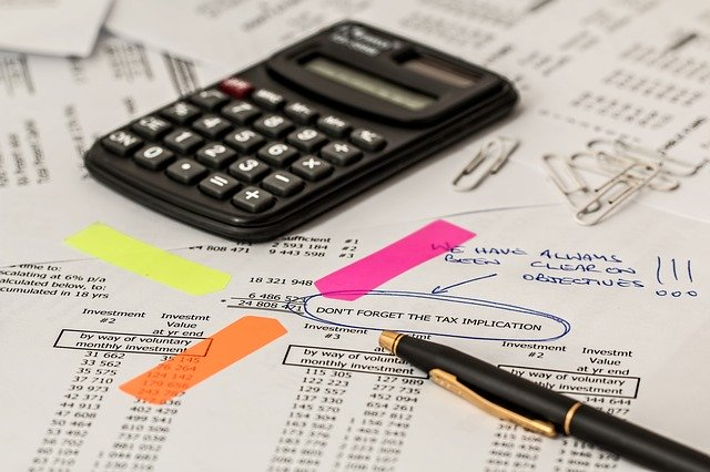 Calculator, calculating - Learn how to calculate cross country relocation costs.