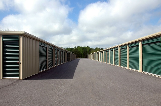 A storage warehouse where you can find decent storage unit when moving to Hamilton.