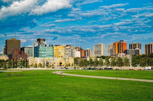 Ottawa, skyline. If you want to enjoy these views when you settle down here, well, you should know some reasons why Ottawa is one of the best cities for seniors.